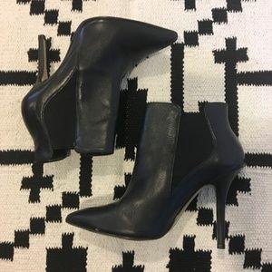 Steven by Steve Madden black heeled booties